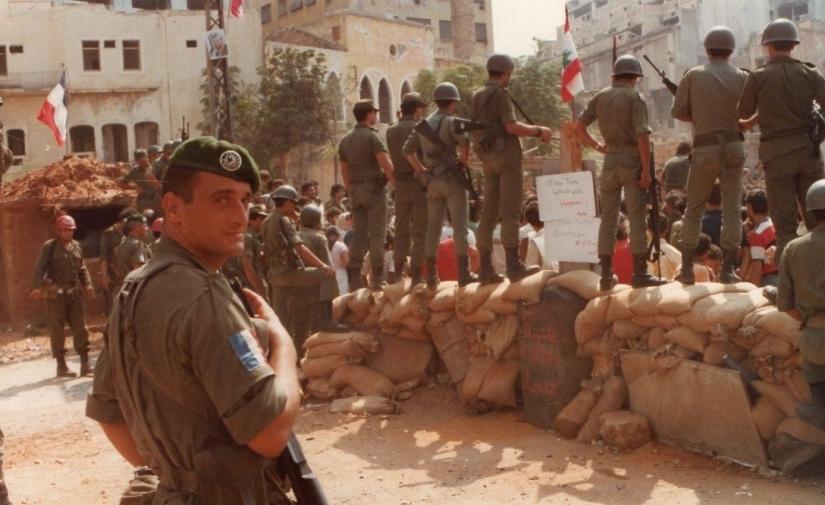 Legionär des 2 REP an einem CP in Beirut